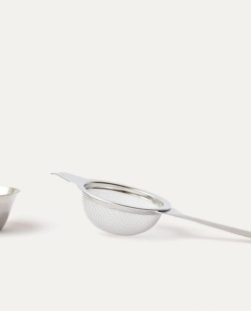 fine-mesh-tea-strainer-with-drip-tray
