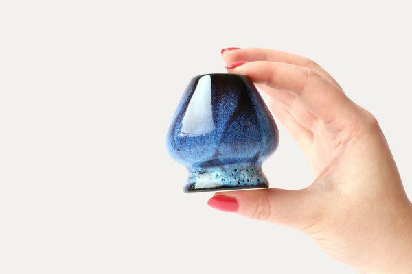 blue-black-matcha-whisk-holder